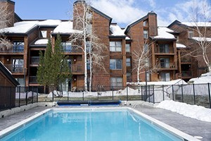 Steamboat Resorts by Wyndham Vacation Rentals :: Steamboat's largest selection of vacation Condos all conveniently located around the base of the ski area. Affordable studios to luxury 6 bedroom townhomes. Call today!