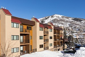 Snow Flower Condos by Steamboat Resorts :: Located at the base of the Steamboat Ski area, offering affordable studio, 2 & 4 bdrm condos with access to great amenities - heated pool & hot tub, free wifi, & more!