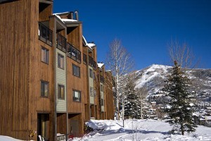 West Condos by Steamboat Resorts :: A convenient & affordable location just a few moments from the base of Steamboat Ski Area. Efficiency to 4 bed unit options, outdoor heated pool, hot tubs, shuttle, & more!