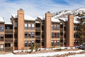 Lodge at Steamboat by Steamboat Resorts :: A long-time guest favorite. 1-3 bedroom options located just 200 yards from the Gondola with excellent amenities & services. Come see what keeps guests coming back each year!