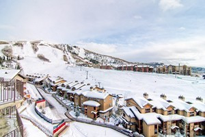 Bronze Tree Condos by Steamboat Resorts :: Enjoy panoramic views, ski-in access, great amenities, & great location. Amenities include indoor pool, hot tubs, free wifi, complimentary winter shuttle & more! Book today!