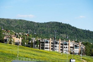 Steamboat Resorts by Wyndham Vacation Rentals :: Wyndham Vacation Rentals offers complete vacation planning services including discounts on airfare, lodging, lift tickets, equipment rentals, activities & more. Call today!