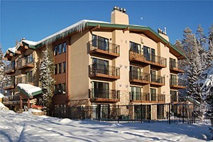 Scandinavian Lodge – Ski-out/Walk-in Access